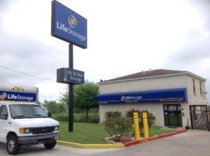Life Storage - San Antonio - 10260 Marbach Road