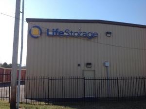Image of Life Storage - Bridgeton Facility on 11540 Saint Charles Rock Rd  in Bridgeton, MO - View 3