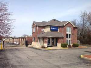 Image of Life Storage - St. Louis - Lemay Ferry Road Facility on 3535 Lemay Ferry Rd  in St Louis, MO - View 4
