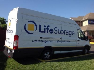 Picture of Life Storage - St. Louis - Manchester Avenue