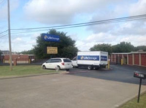 Life Storage - Fort Worth - Granbury Road