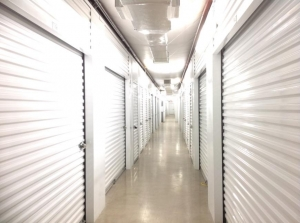 Picture 6 of Life Storage - San Antonio - Huebner Road - FindStorageFast.com
