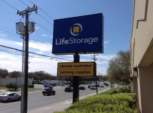 Picture 7 of Life Storage - San Antonio - Huebner Road - FindStorageFast.com