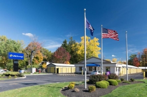 Image of Life Storage - Amherst Facility on 2681 Niagara Falls Blvd  in Amherst, NY - View 4