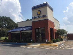 Image of Life Storage - Huntsville - Highway 72 West Facility on 7015 Hwy 72 W  in Huntsville, AL - View 4