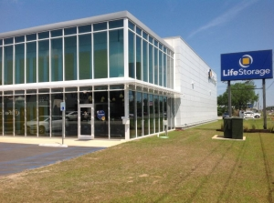 Image of Life Storage - Foley - 7775 State Highway 59 Facility on 7775 State Highway 59  in Foley, AL - View 4