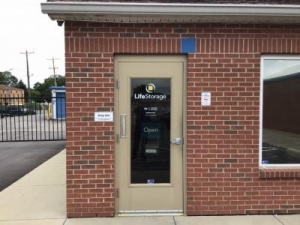 Life Storage - Cincinnati - Robertson Avenue - Photo 8