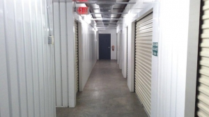 Life Storage - Tampa - West Hillsborough Avenue - Photo 7