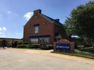 Image of Life Storage - Garland - North Shiloh Road Facility on 3222 N Shiloh Rd  in Garland, TX - View 3