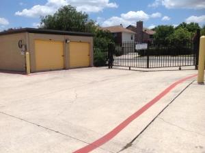 Picture 2 of Life Storage - San Antonio - 7550 Culebra Road - FindStorageFast.com