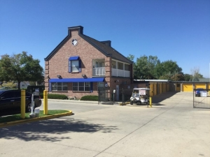 Image of Life Storage - Aurora - East Mississippi Avenue Facility on 11951 E Mississippi Ave  in Aurora, CO - View 3
