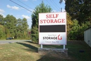 Image of Spare Room Self Storage Facility on 14664 Highway 92  in Woodstock, GA - View 4