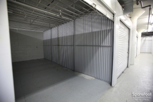 Picture of Storage King USA - Newark
