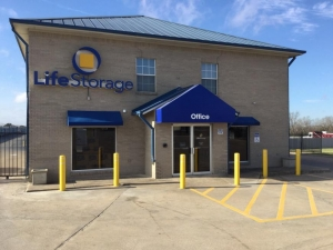 Image of Life Storage - Round Rock - South AW Grimes Boulevard Facility at 2830 S a w Grimes Blvd  Round Rock, TX