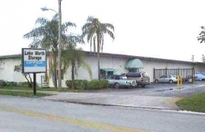 AA Alpine Storage - 900 Barnett-Lake Worth 1 - Photo 1