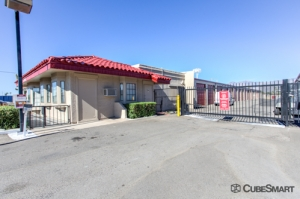 CubeSmart Self Storage - Tucson - 8361 E Broadway Blvd - Photo 4