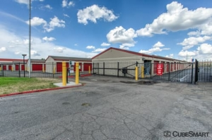 Image of CubeSmart Self Storage - Northglenn - 11402 Cherokee Street Facility on 11402 Cherokee Street  in Northglenn, CO - View 3