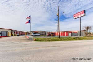 Image of CubeSmart Self Storage - Houston - 9900 Rowlett Rd Facility at 9900 Rowlett Rd  Houston, TX