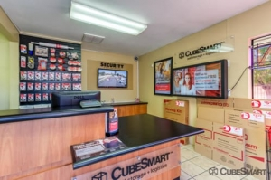 CubeSmart Self Storage - Riverside - 4011 Fairgrounds Street - Photo 9