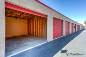 CubeSmart Self Storage - Santa Ana - Photo 3
