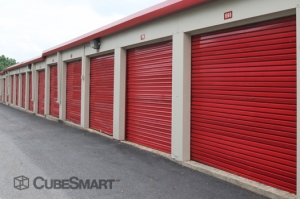 CubeSmart Self Storage - East Hanover - Photo 5