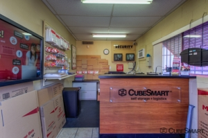 CubeSmart Self Storage - Tucson - 201 S Plumer Ave - Photo 6