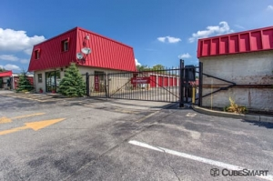 Image of CubeSmart Self Storage - Middleburg Heights Facility at 6801 Engle Road  Middleburg Heights, OH