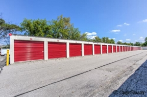 Image of CubeSmart Self Storage - Middleburg Heights Facility on 6801 Engle Road  in Middleburg Heights, OH - View 4