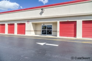 Image of CubeSmart Self Storage - Fort Lauderdale - 3901 Riverland Rd Facility on 3901 Riverland Rd  in Fort Lauderdale, FL - View 4
