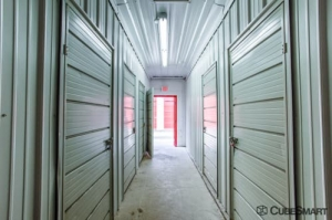 Image of CubeSmart Self Storage - Addison Facility on 21 W 209 Lake Street  in Addison, IL - View 4