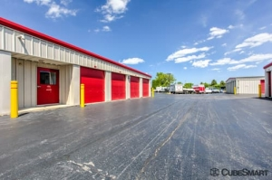 CubeSmart Self Storage - Bartlett - Photo 8