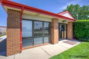 Image of CubeSmart Self Storage - Elk Grove Village Facility on 1750 Busse Road  in Elk Grove Village, IL - View 2