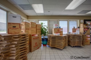 Image of CubeSmart Self Storage - Elk Grove Village Facility on 1750 Busse Road  in Elk Grove Village, IL - View 4