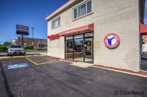 Image of CubeSmart Self Storage - Lombard Facility on 1245 S Highland Ave  in Lombard, IL - View 2