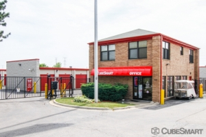Image of CubeSmart Self Storage - Mundelein Facility on 1080 S. Butterfield Road  in Mundelein, IL - View 2