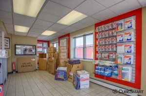 CubeSmart Self Storage - North Chicago - Photo 5