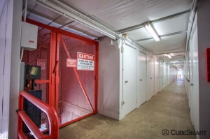 CubeSmart Self Storage - North Chicago - Photo 7