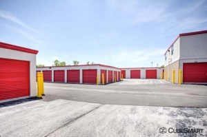 CubeSmart Self Storage - North Chicago - Photo 11