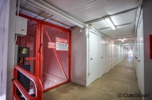 CubeSmart Self Storage - North Chicago - Photo 6