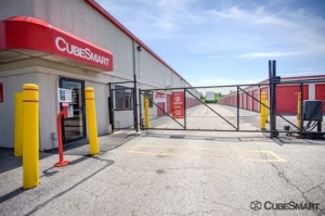 CubeSmart Self Storage - North Chicago - Photo 8