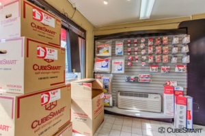 CubeSmart Self Storage - Waukegan - Photo 2
