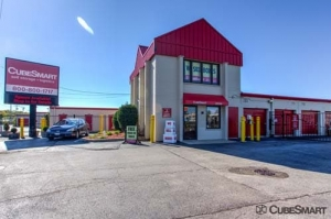 Image of CubeSmart Self Storage - Wheeling - 1004 S. Milwaukee Avenue Facility at 1004 S Milwaukee Ave  Wheeling, IL