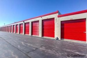 Image of CubeSmart Self Storage - Wheeling - 1004 S. Milwaukee Avenue Facility on 1004 S Milwaukee Ave  in Wheeling, IL - View 4