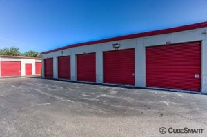 Image of CubeSmart Self Storage - Wheeling - 1042 South Milwaukee Avenue Facility on 1042 S Milwaukee Ave  in Wheeling, IL - View 4