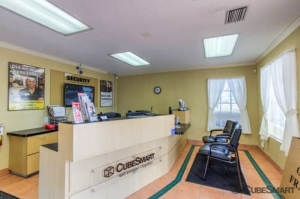 Image of CubeSmart Self Storage - Bradenton - 6512 14th Street West Facility on 6512 14th St W  in Bradenton, FL - View 2