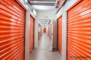 Image of CubeSmart Self Storage - Lutz - 14902 North 12th Street Facility on 14902 North 12Th Street  in Lutz, FL - View 3