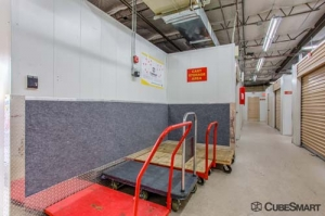 CubeSmart Self Storage - Stamford - Photo 8