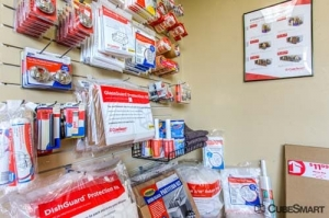 CubeSmart Self Storage - Stamford - Photo 4