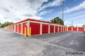 Image of CubeSmart Self Storage - Tampa - 4309 Ehrlich Rd Facility on 4309 Ehrlich Rd  in Tampa, FL - View 4
