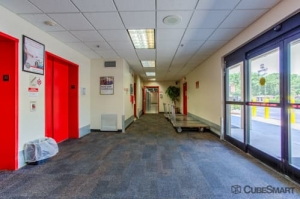 Image of CubeSmart Self Storage - Orlando - 3730 S Orange Ave Facility on 3730 S Orange Ave  in Orlando, FL - View 4